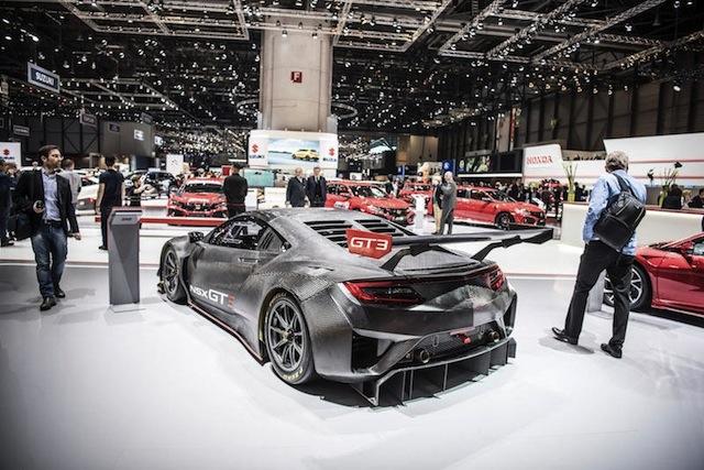 IL PZERO WORLD AL SALONE. Lo spazio Pirelli al Salone è stato allestito con  l obiettivo di ricreare l atmosfera del PZero World 5410f4c8423