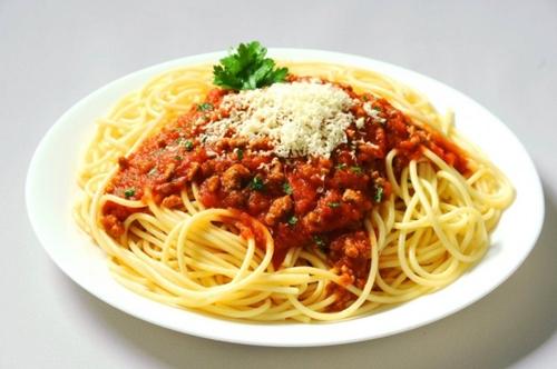 Cara Mudah Memasak Spaghetti Khas Italia + Resepnya