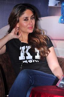 Actress Kareena Kapoor Stills in Denim Jeans at Ki & Ka Movie Pressmeet  0030