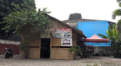 Saung Uyut Sukapura