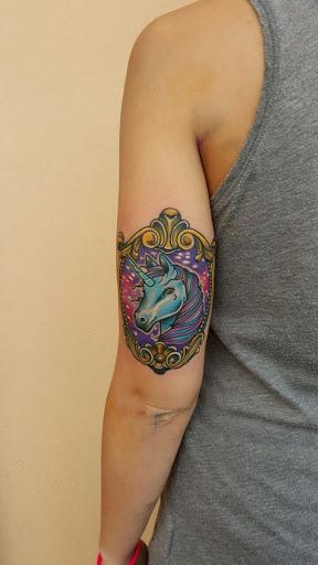 Ouro-moldado unicornio