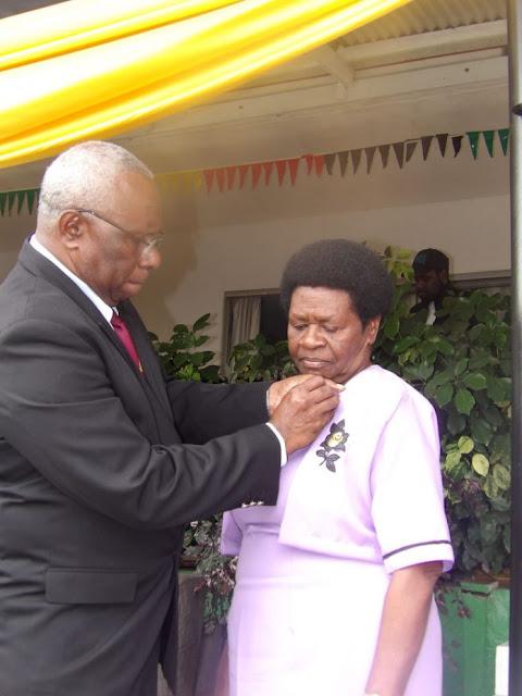Perempuan yang Sembunyikan PM Vanuatu dari Kejaran Tentara Kolonial Prancis Peroleh Penghargaan