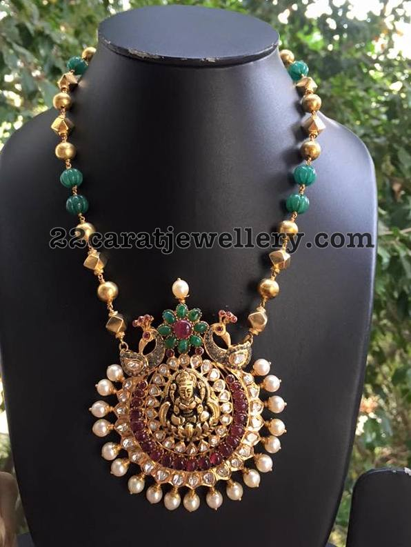 Pumkin Shaped Emerald Beads Long Set
