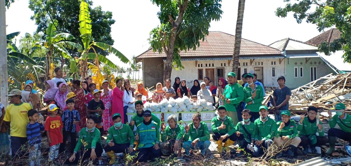 Relawan LAZIS Wahdah Islamiyah Serahkan Bantuan Untuk Korban Tsunami Selat Sunda