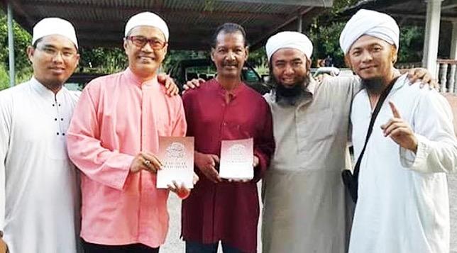 Pelakon Acappan Nafi Memeluk Islam