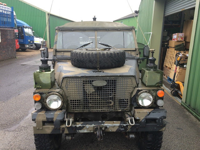 Landrover Defender: Land Rover Series III Lightweight Full FFR With