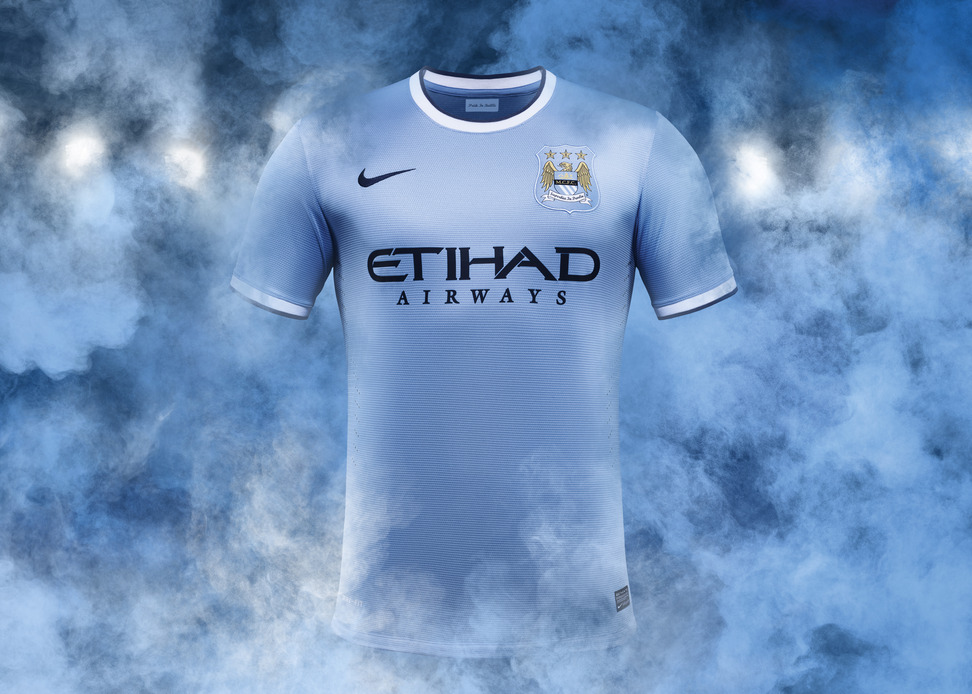 Nike Unveils First Manchester City Home Kit on New York Tour 4db71ea41