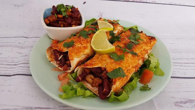 Enchiladas veganas fáciles rellenas de judías y arroz