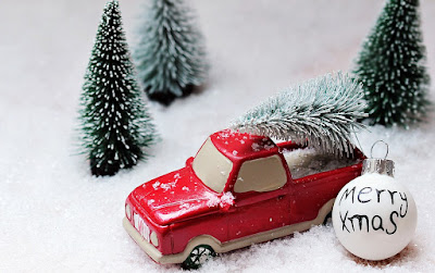 Give Car-Related Christmas Gifts this Season!