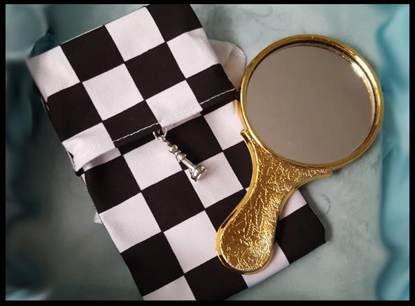 Mirror and monochrome case cover