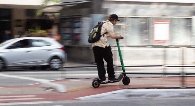 Defesa do consumidor e governo federal debatem uso de patinetes