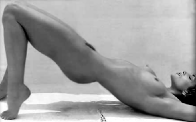 Cindy Crawford Nude Picture 13