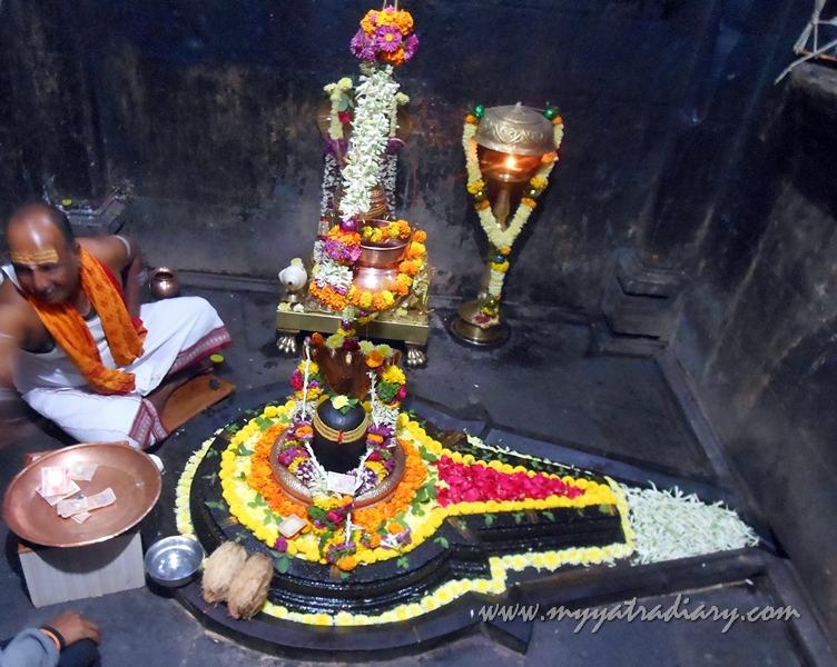 Shivlingam at Bhuleshwar Shiva Temple near Yavat, Pune