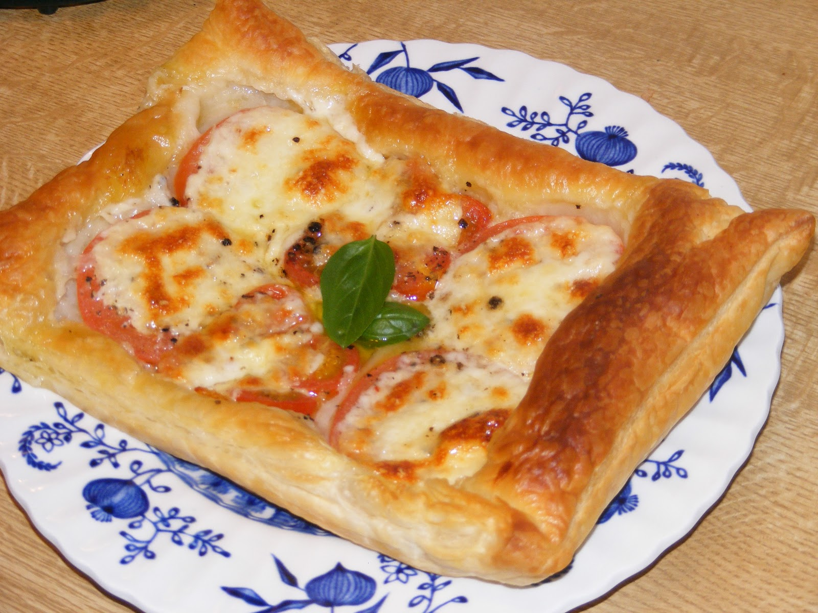 Tesco Value Chef Puff Pastry Pizza