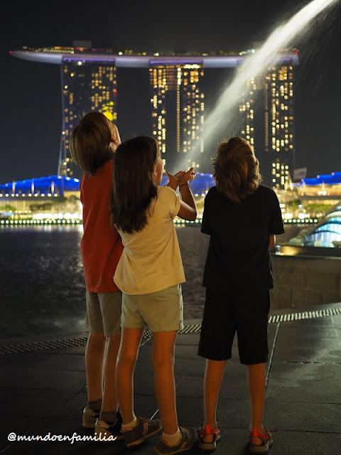 Vistas del Marina Bay Sands desde Merlion Park
