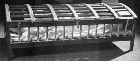 Image result for pengobatan zaman dahulu dengan utica crib