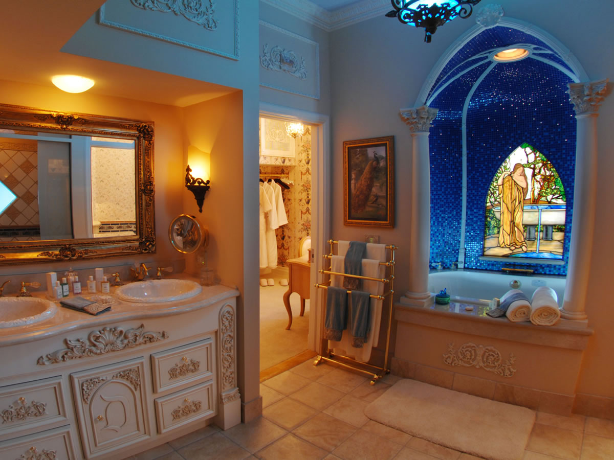 Bathroom Sets Luxury Reconditioned Bath Tub In Master Bedroom: Master Bathroom Designs