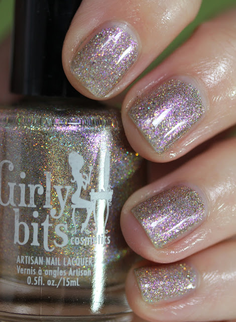 Girly Bits Cosmetics A Kiss on the Chic