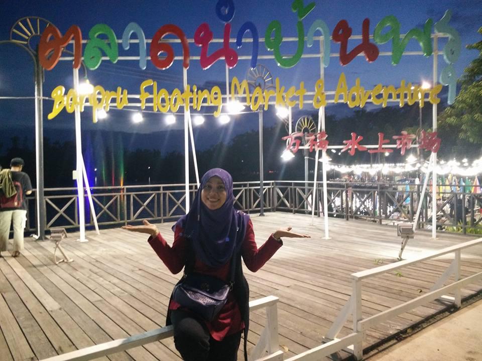 waktu operasi floating market
