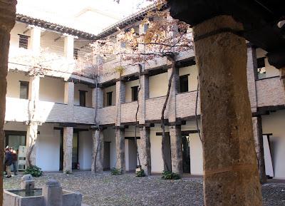 Interior Corral del Carbón en Granada