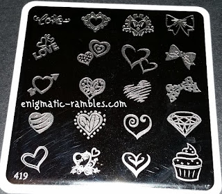 Review-MoYou-Nails-419-Love-Hearts
