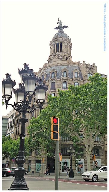Barcelona; Conhecendo a Europa; sem guia; turismo na espanha; Passeig de Gràcia; Comércio exclusivo; Edifício La Unión y el Fénix Espanhol;