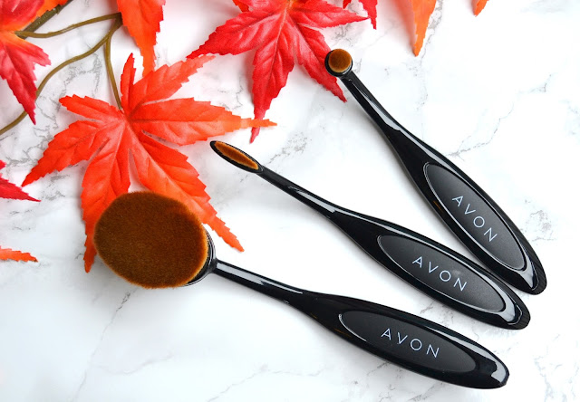 AVON Oval Makeup Brushes Review