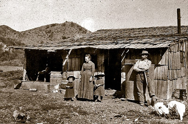 Early Lawson family cabin in Hagador Canyon, near Tin Mine Canyon, taken in 1886.