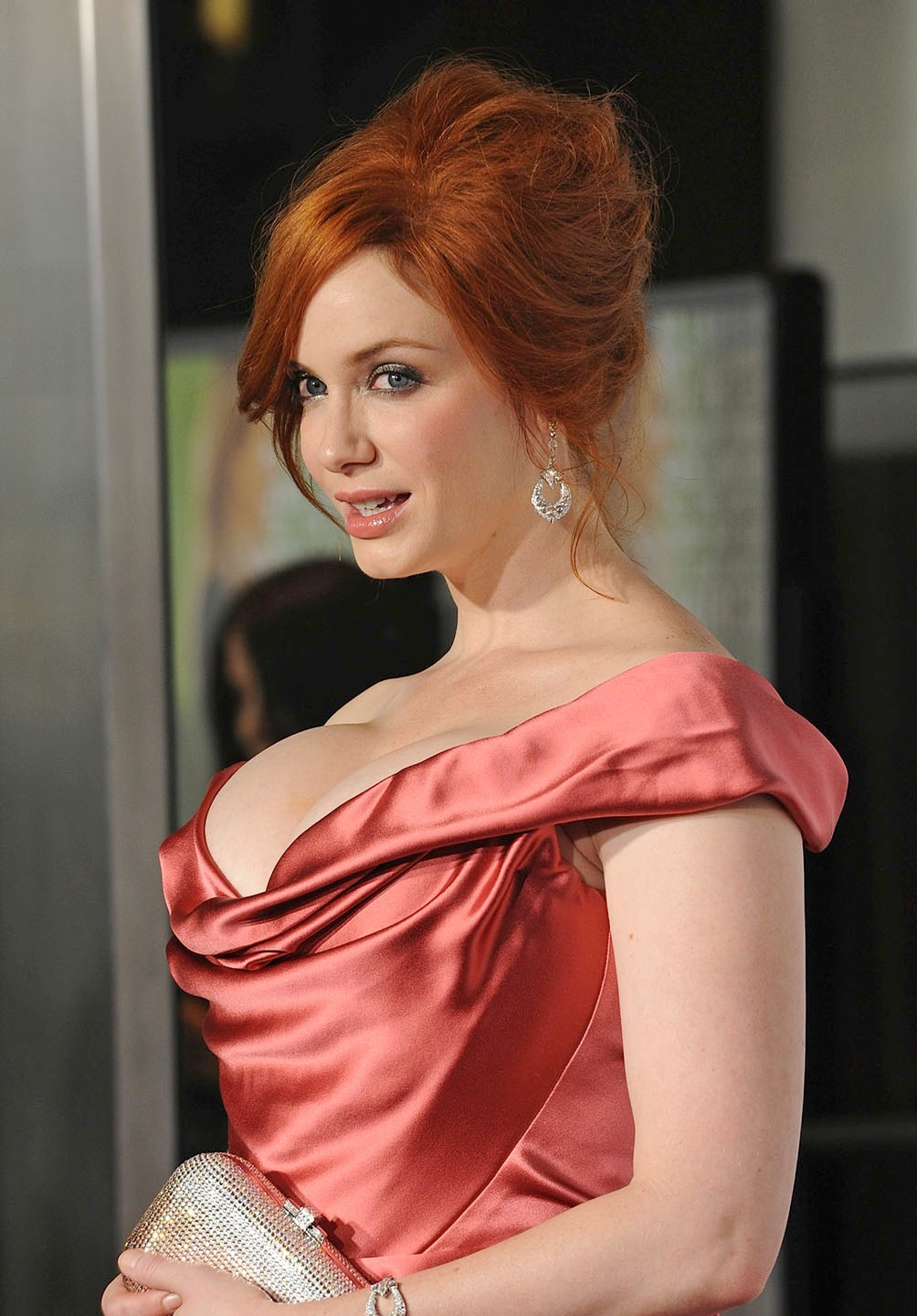 Christina-Hendricks-Hot-Boobs-Pics-Stills-At-Film -2784