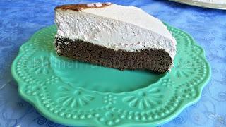 Шоколадова торта със сметаново-боровинков крем