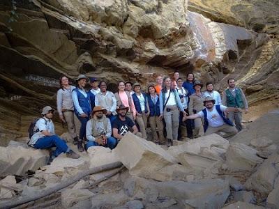 Geólogos participam de treinamento sobre cartografia geológica no CIEG em Morro do Chapéu-BA
