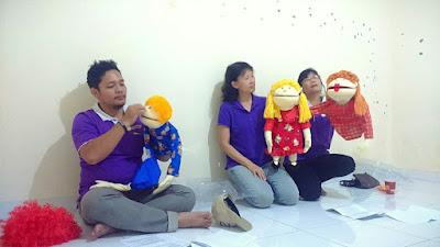 Cara Menanamkan Sikap Jujur Pada Anak Usia Dini. Dalam pembelajaran harian PAUD, anak dapat diajari sikap jujur. cara mengajari jujur anak cara mengajari anak jujur cara melatih anak jujur