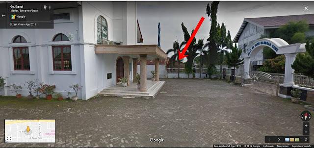 lokasi bersampingan dengan Gereja HKBP