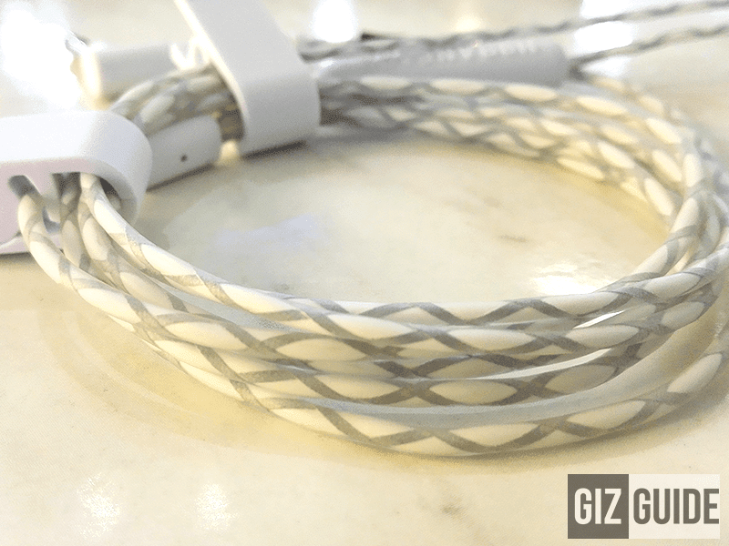 A close view to the reflective cables