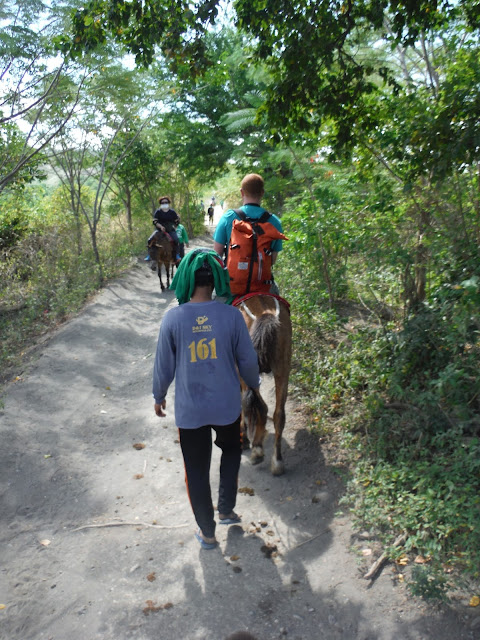 me riding horse top taal valcano tagaytay philippines