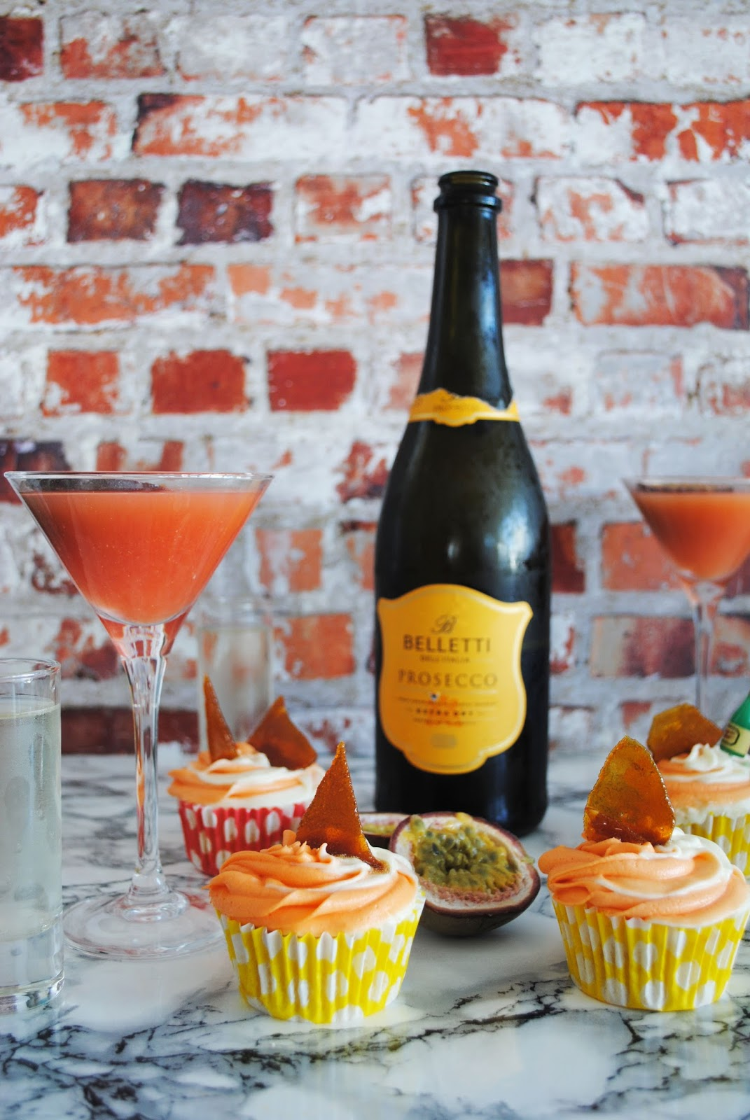 Sharkett Sisters: COCKTAIL CUPCAKES | PORNSTAR MARTINI