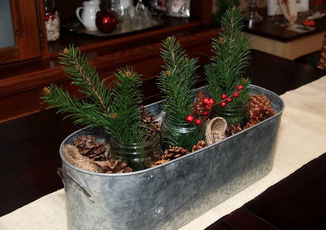 Simple, Rustic Christmas Centerpiece