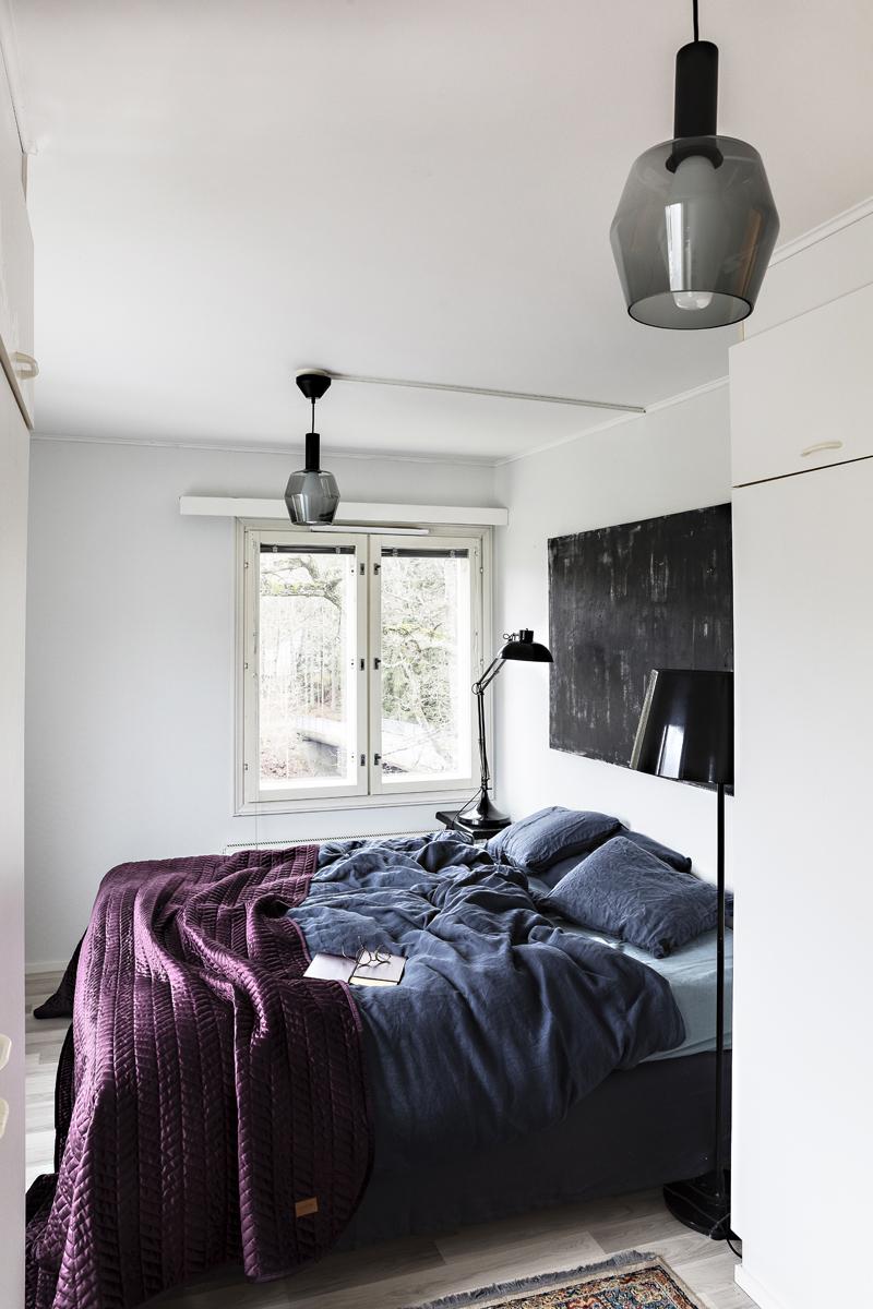 Airam, Wirkkala, makuuhuone, sisustus, sisustaminen, pellava, pellavalakanat, tunnelmallinen, bedroom, interior, inredning, linen, beddign, Visualaddict, valokuvaaja, Frida Steiner