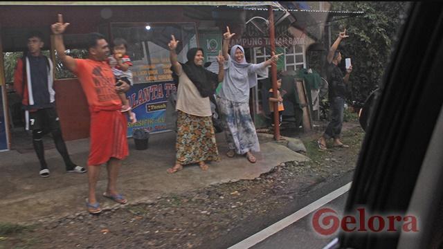 Ma'ruf Amin Melintas di Padang Panjang, Warga Acungkan Dua Jari
