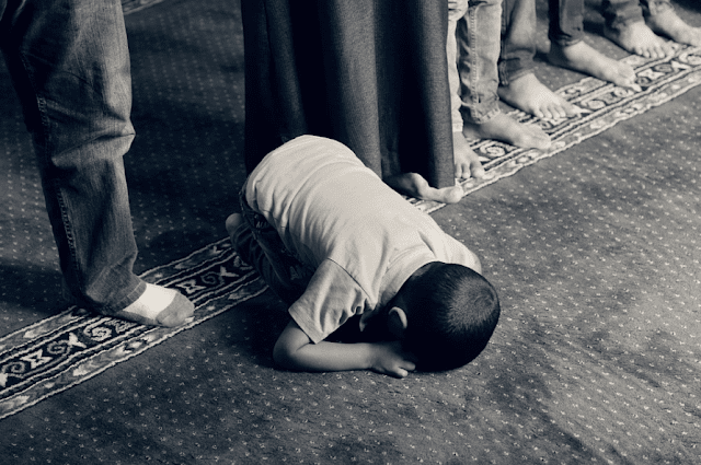 7 Tips Untuk Orang Tua Agar Sang Buah Hati Rajin Ibadah Setiap Harinya