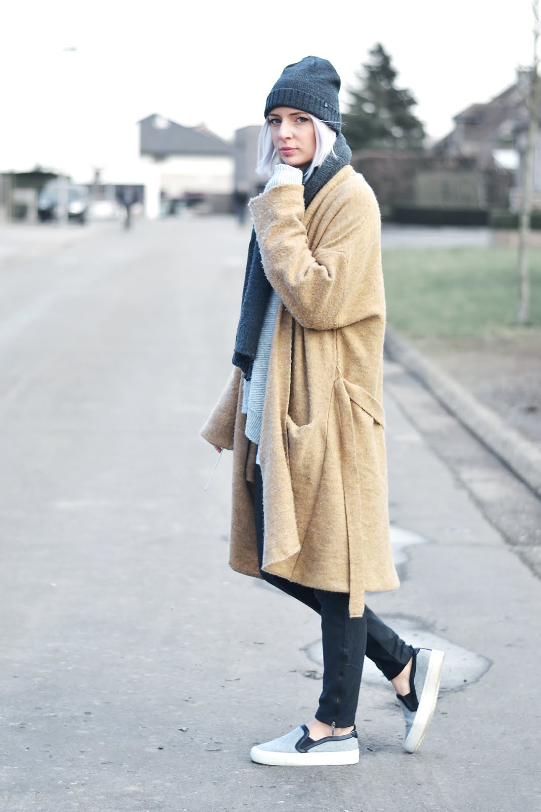 Cheap monday hat, scarf, zara asymmetric jumper, camel coat, mango, wool, knitwear, winter, trends, inspiration, street style, belgian fashion blogger, belgische mode blogger, zara slip on, grey, celine