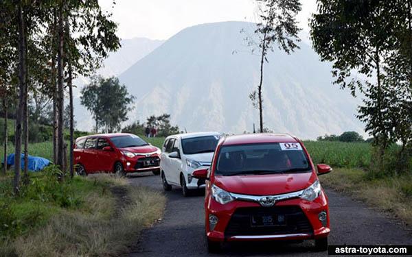 Toyota Calya Menuju Tanjakan Gunung Bromo