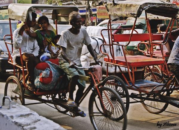 Old-Delhi-ricsa-bicicleta