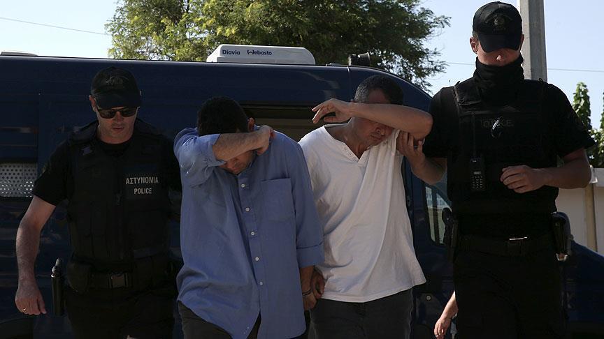 عقب محاولة الانقلاب الفاشلة اليونان تحيل للقضاء 8 عسكريين أتراك فروا إليها