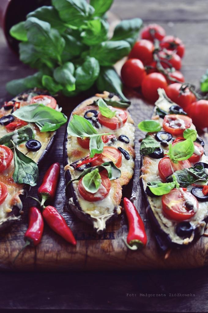 Śródziemnomorski bakłażan z sosem tahini