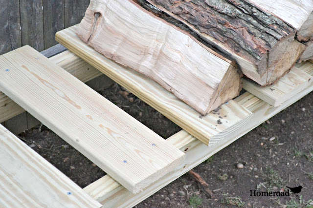 How to build a log holder for fire wood. Homeroad.net