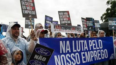 Mercedes, Volks e até os chineses da Foton devem disputar espaço deixado pela Ford