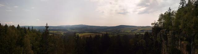 Góry Stołowe, Lisia Przełęcz, Karłów, Skały Puchacza