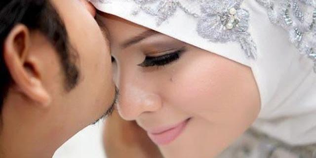 Ingin Rezeki Suami Bertambah...Ini yang harus Seorang Istri Lakukan..!!
