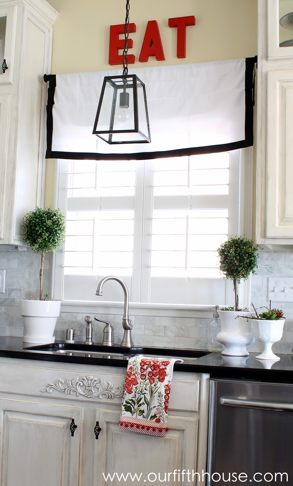 Hanging Pendant Lights Over Kitchen Sink